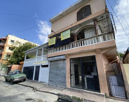 Edificio de Apartamentos - Santo Domingo Oeste