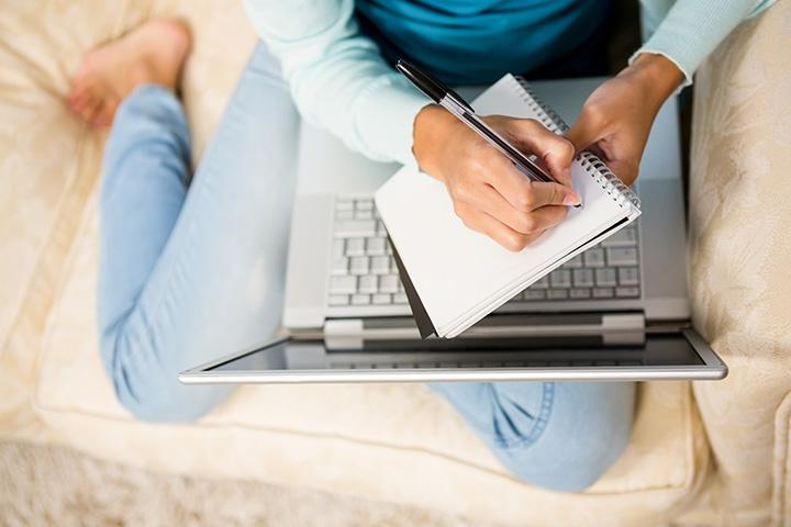 Usando laptop